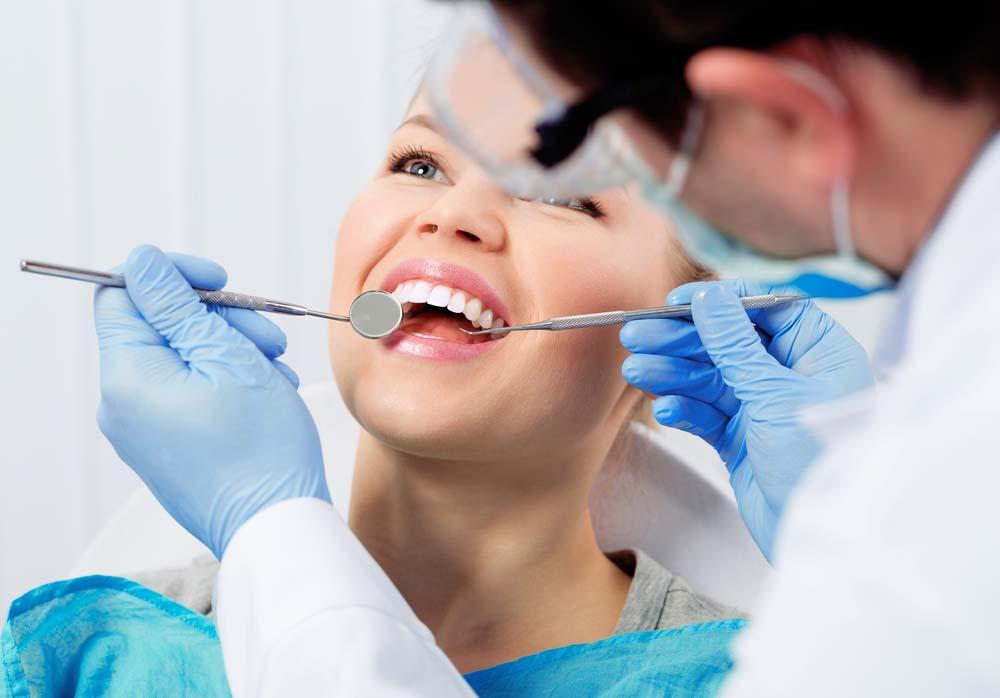 Moderne Alternative zur Zahnprothese – Zahnimplantate